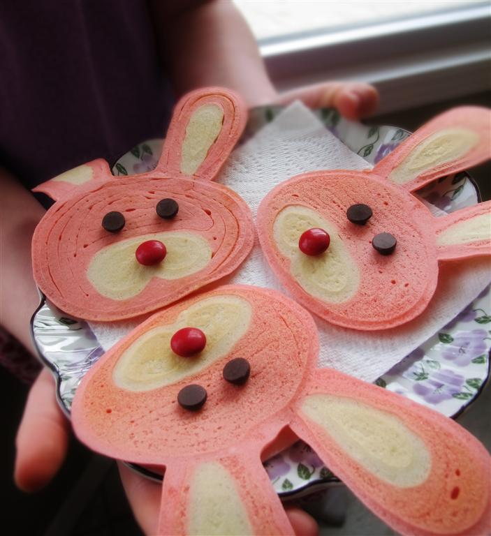 Pink bunny pancakes by I Heart Naptime