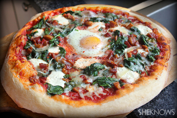 Pizza with crispy pancetta, spinach, ricotta and soft baked egg