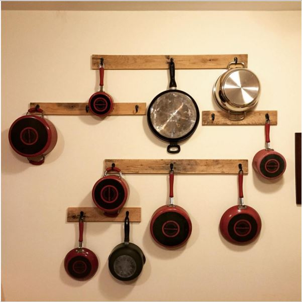 12 DIY pot rack projects to save space in your kitchen ...
