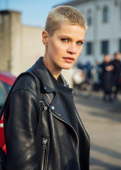 Stunning Ways To Style Short Hair   Blonde Buzz Cut