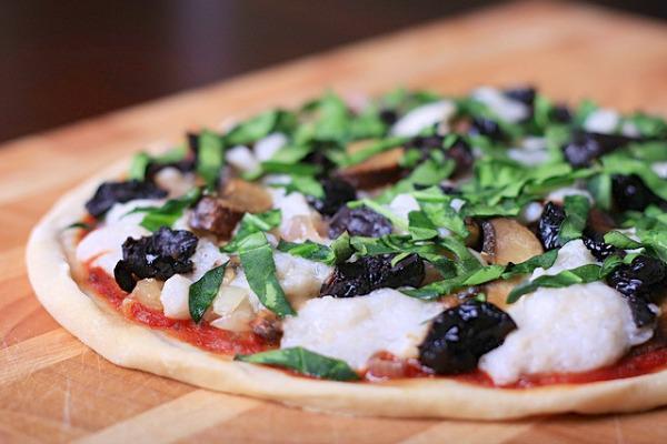 Homemade vegan mozzarella cheese pizza