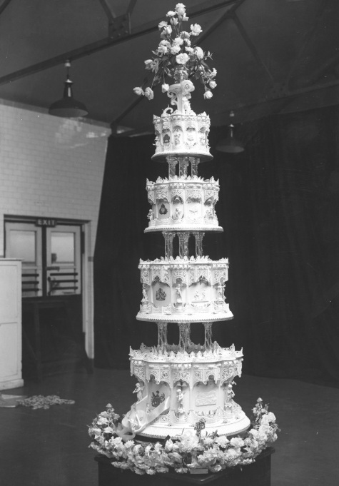 The Queen Mother & King George VI wedding cake