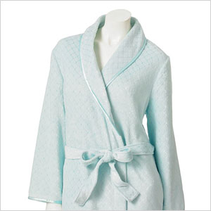 Plush robe | Sheknows.com