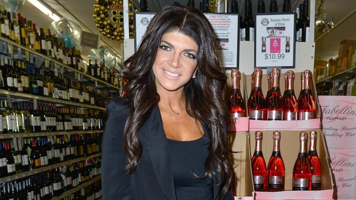 Real Housewives star lists mansion before