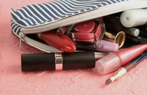 Organize your beauty kit: Sort out
