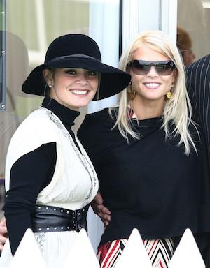Friendly neighbors: Elin Nordegren dating billionaire