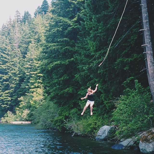 bindi-irwin-mountain-lake-swinging