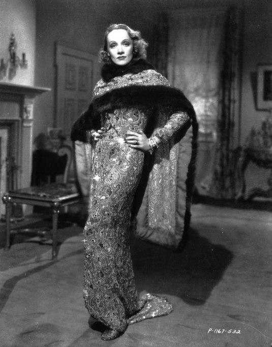 Feminist Fashion Icons: Marlene Dietrich