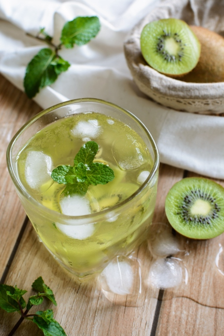 Kiwi and mint julep