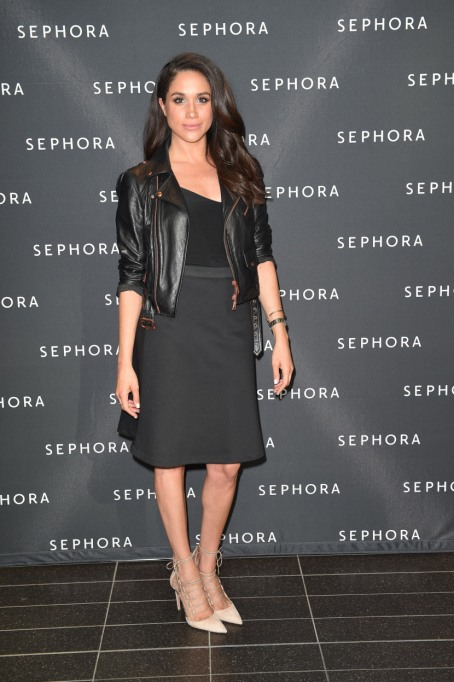 Meghan Markle's Most Fashionable Outfits | Attending the Sephora Unveils Toronto Eaton Centre Remodel