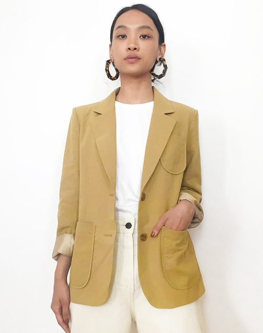 Fall fashion trends: Single Breasted Khaki Blazer | Fall Fashion 2017