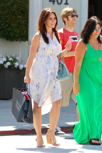 Pregnant Jennifer Love hewitt