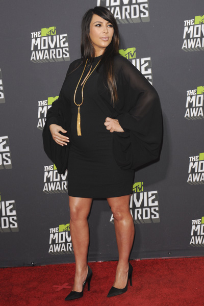 Pregnant Kim Kardashian MTV Movie Awards