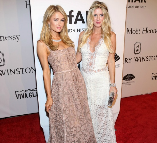 Pregnant Nicky Hilton and Paris Hilton