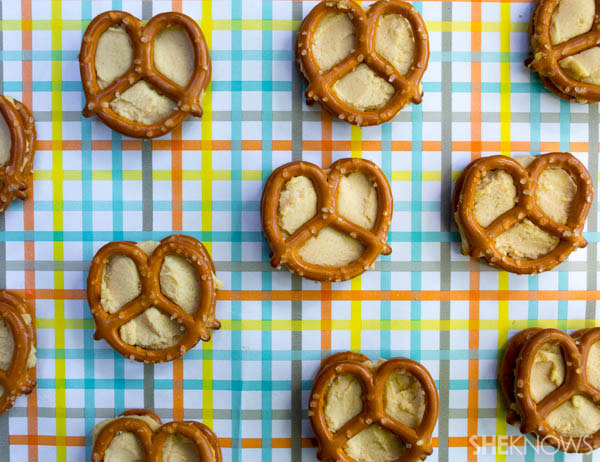 Pack special pretzels | Pretzels with hummus | SheKnows