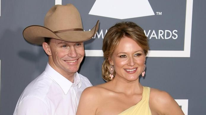 Jewel splits from husband Ty Murray