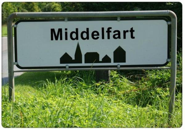 funny-road-signs-middelfart