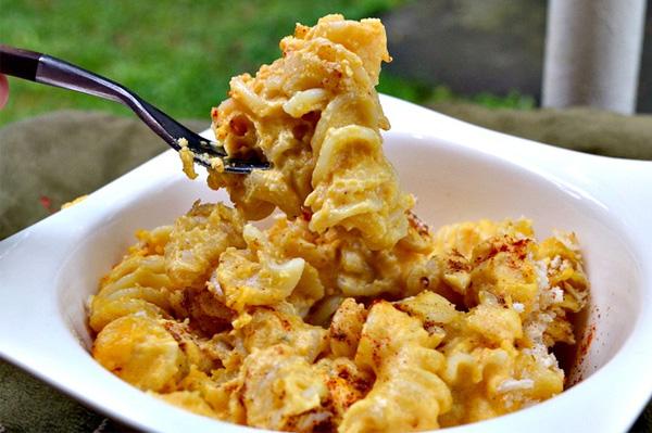 Baked pumpkin mac and cheese