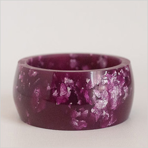 Round purple bangle made of resin
