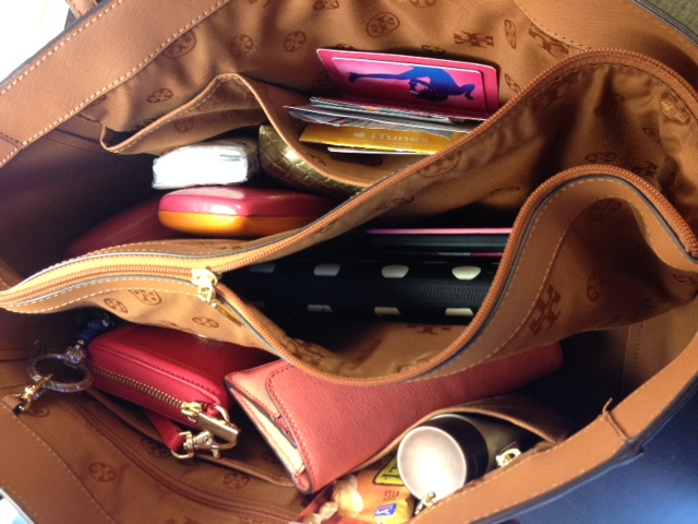 fa5e6904a804 24 Things you have in your purse if you're a mom – SheKnows