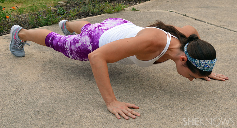 Crossover pushups: 4 total repetitions