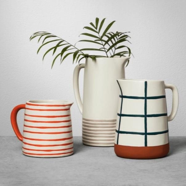 Stoneware pitcher magnolia