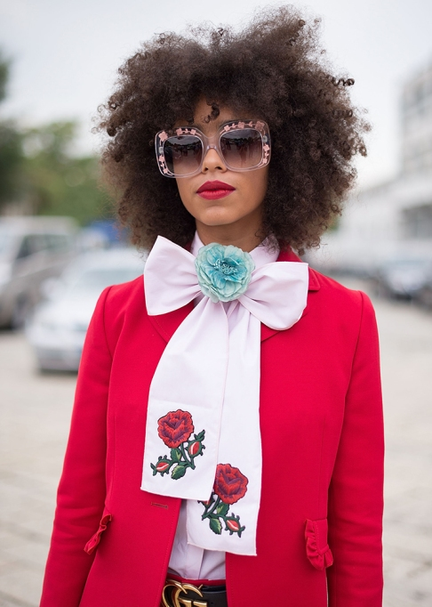 Gorgeous Fall Hairstyles: Curly hair big sunglasses | Fall Beauty 2017