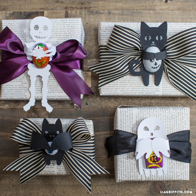 7 Super-Easy (Yet Totally Adorable) Halloween Crafts: Candy Huggers