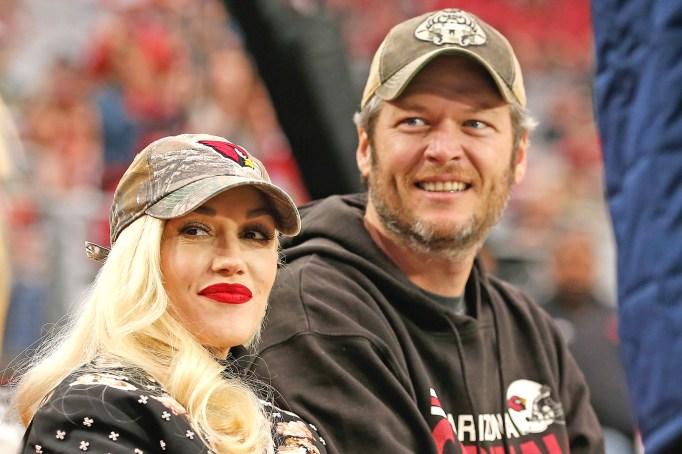Blake Shelton dating Gwen Stefani