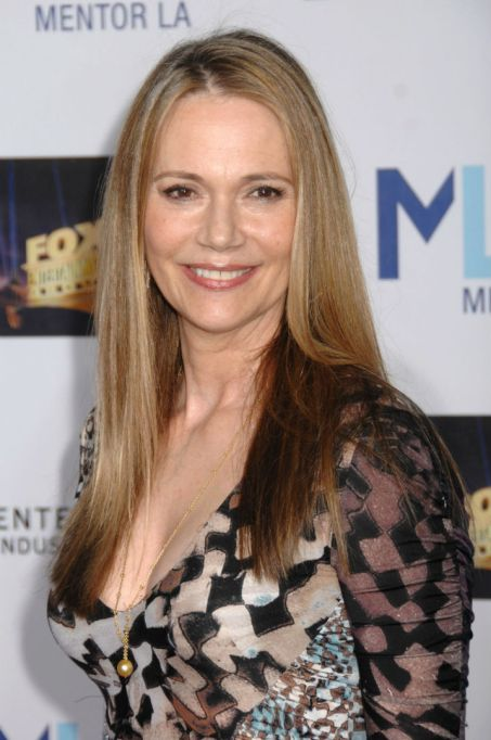 These famous women dated Elvis: Peggy Lipton