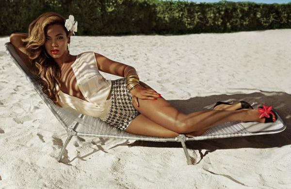 """Beyoncé """"rules the world"""" for H&M's"""
