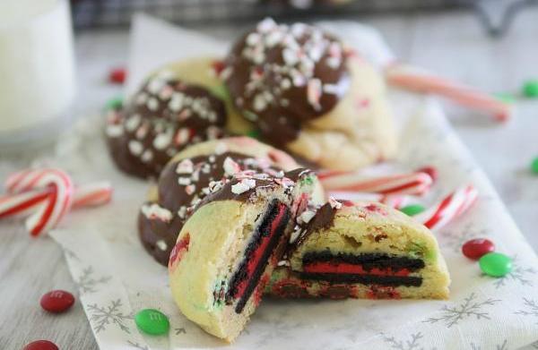 Peppermint Oreo-stuffed Christmas cookies
