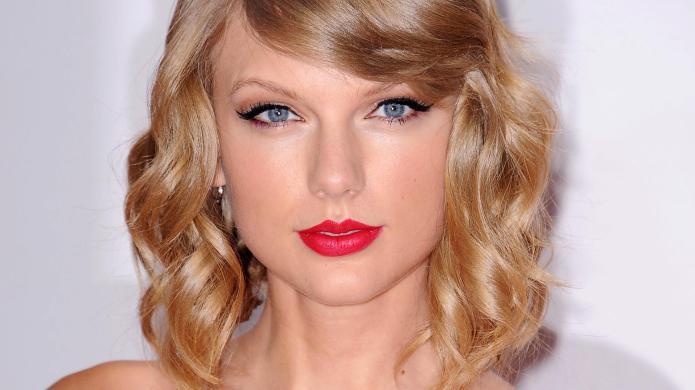 Taylor Swift celebrates 1989 sales by