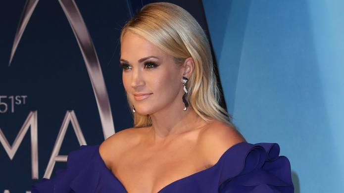 Carrie Underwood Posts First Full Close-up