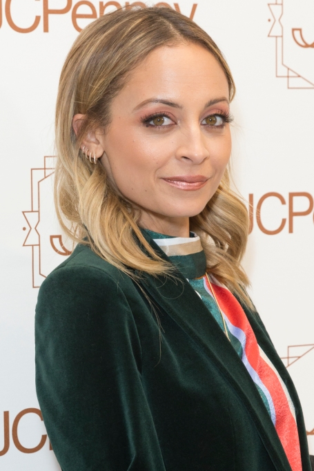 Celebrity Beauty Resolutions to Steal for 2018 | Nicole Richie — Undergo Laser Treatment