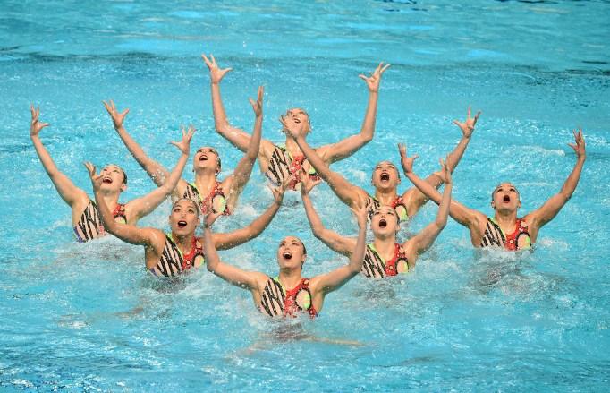 Japan synchronized swimming team
