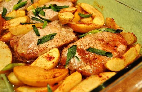 Tonight's Dinner: Spiced pork and apples