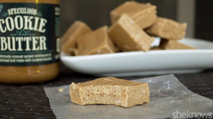 5-Ingredient cookie butter fudge is a