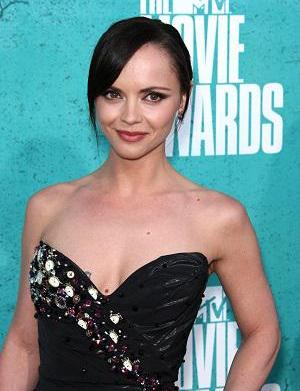 Congratulations! Christina Ricci is engaged!