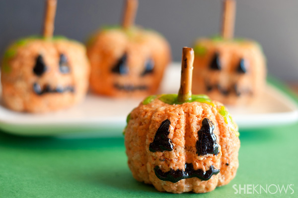 34 Halloween foods that'll take your party to the next level: Pumpkin Rice Krispies treats