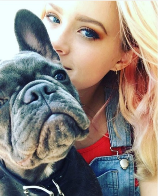 Ava Phillippe and her dog