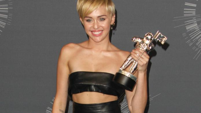 Emotional Miley Cyrus sends homeless youth