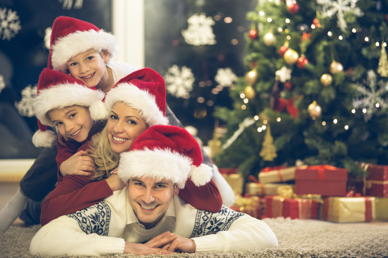 16 family Christmas card photo ideas that will wow your relatives ...