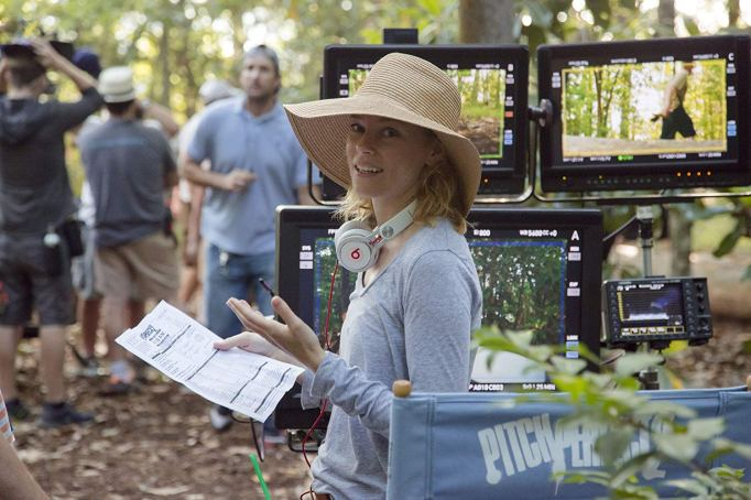 Elizabeth Banks directing 'Pitch Perfect 2'