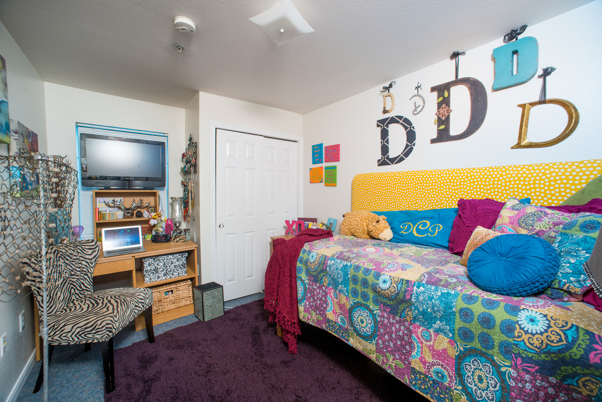 9 Inexpensive Dorm Decor Items You Ll Want To Steal For Your Own Home Sheknows