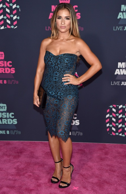 Jessie James Decker CMT Awards