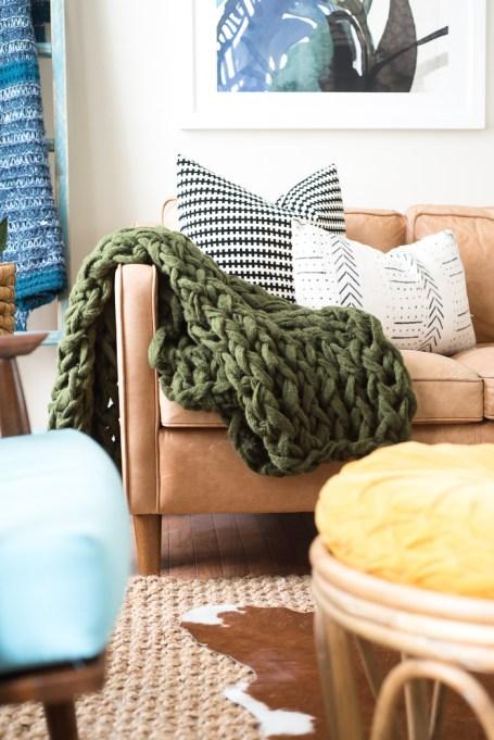 Winter Decor DIYs: Arm Knit Blanket