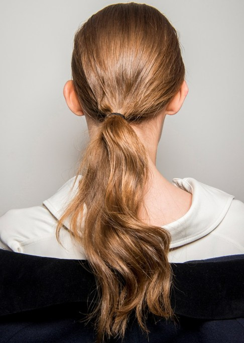 Summer Beauty Ideas For When It's Crazy-Hot | A shiny low ponytail