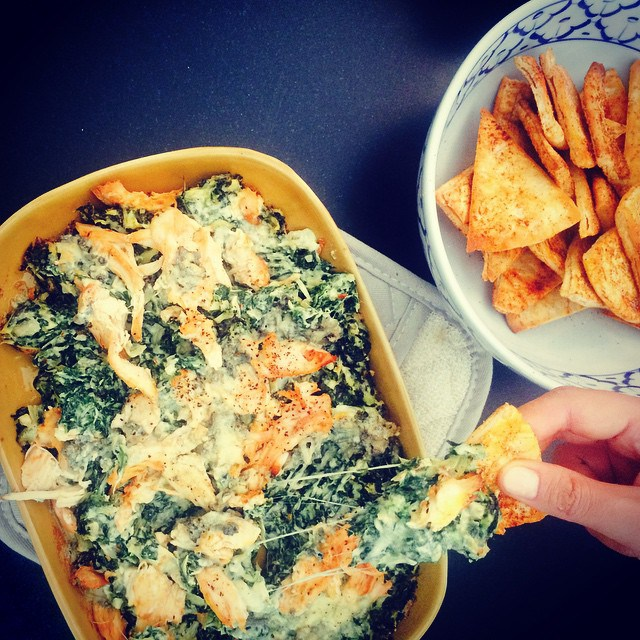 Chrissy Teigen Mouth Watering Recipes: Spinach artichoke dip with cholula buffalo chicken and blue cheese | Celebrity Eats