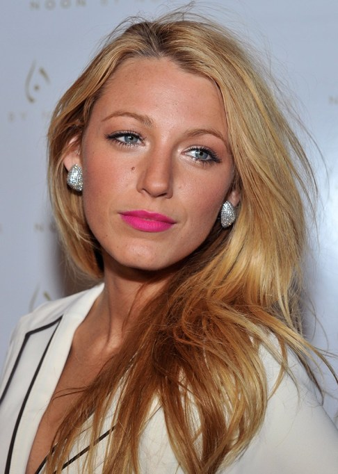 Celebrity-Inspired Ways to Wear Pink Lipstick | Blake Lively in pink lipstick | Celeb Style Trends 2017